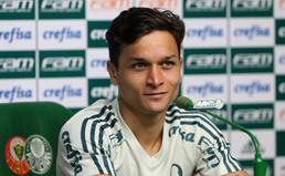 Destaque em treinos, Artur pode ganhar chance no Palmeiras