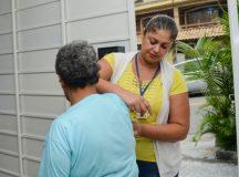 Ao todo, 110 funcionários, que atuam nas Unidades Básicas de Saúde, foram convocados para a ação nas residências. Foto: Ricardo Cassin/PMSBC
