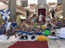 Bailarinos participarão de ala que homenageia Theatro Arthur Azevedo, um dos símbolos de São Luís do Maranhão. Foto: Divulgação