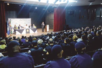 Morando sanciona lei que muda regime de contratação da GCM