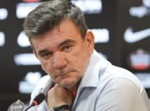 """Sanchez: """"Acho injusto Dudu ganhar a metade de outros"""". Foto: Arquivo"""
