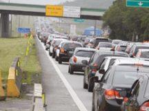Ecovias estima que até 320 mil veículos desçam a serra. Foto: Arquivo