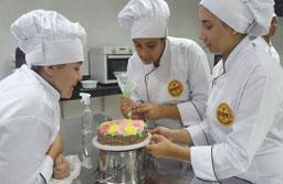Com investimento de R$ 250 mil, escola de gastronomia inaugura unidade em S.Bernardo
