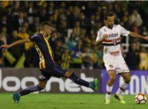 O São Paulo, do meia-atacante Nenê, teve boa atuação ontem na Argentina. Foto: Rubens Chiri/SPFC
