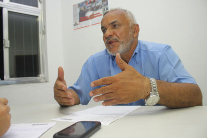 Denunciado por tentativa de homicídio, Maninho se entrega à polícia