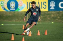 Neymar treinou com bola na Granja Comary. Foto: Pedro Martins/MoWA Press