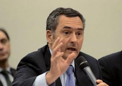Alta do dólar é internacional e Brasil não está imune, diz Guardia