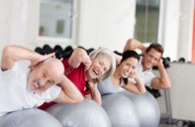 Pilates melhora tanto o equilíbrio quanto a coordenação. Portanto, reduz o risco do idoso cair e de se machucar. Foto: Reprodução