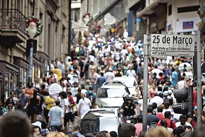 Desalento recorde com mercado de trabalho limita alta na taxa de desemprego, diz IBGE