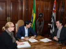 Prefeito Paulo Serra esteve na Secretaria de Esporte, Lazer e Juventude do Estado de São Paulo para oficializar cidade como anfitriã da competição. Foto: Ricardo Trida/PSA