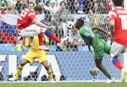 Rússia goleia Arábia Saudita na abertura da Copa