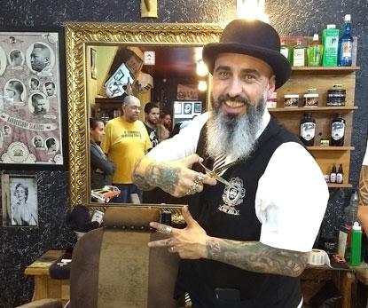Em São Bernardo, Barbearia Dom Jóra comemora três anos com festa