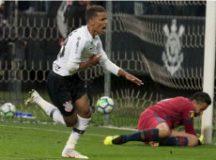 Pedrinho comemora gol de empate corintiano em Itaquera. Foto: Daniel Augusto Jr./Agência Corinthians