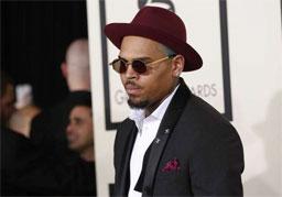 Cantor Chris Brown é preso por agressão na Flórida