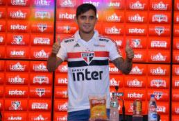 Apresentado no São Paulo, Everton Felipe põe a versatilidade à prova e enaltece coletivo