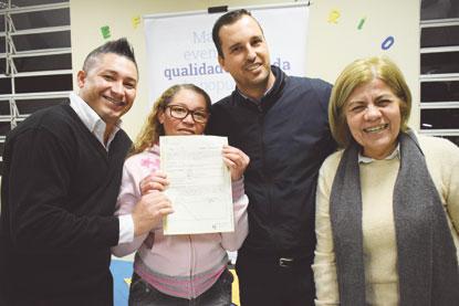 Prefeitura de Diadema entrega matrículas de imóveis no Núcleo Três Mosqueteiros