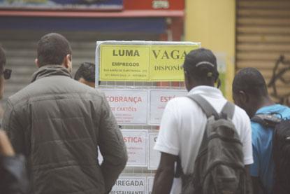 """Mercado de trabalho deu """"boa notícia"""" em agosto. Foto: Danilo Verpa Folhapress"""