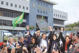 Haddad é oficializado com desafio de herdar espólio de Lula em menos de 1 mês
