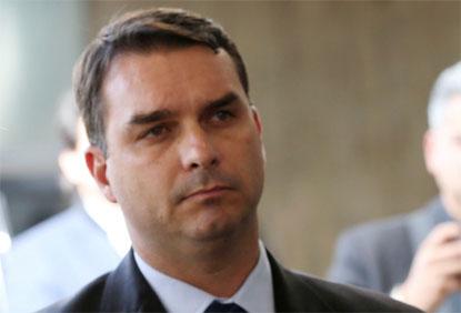 STF suspende investigação de filho de Bolsonaro por transação de ex-assessor