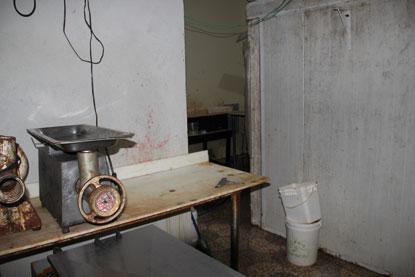 Atendendo à denúncia, prefeitura lacra frigorífico irregular em Ribeirão Pires