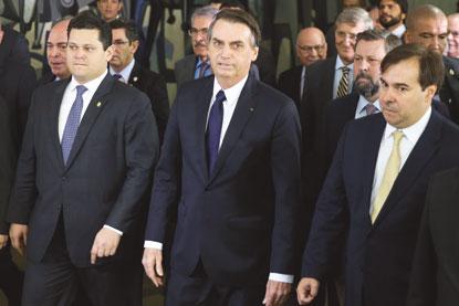 Governo leva ao Congresso reforma da Previdência abrangente e dura