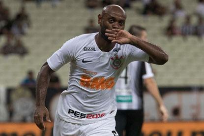 Corinthians vence o Ceará fora e encaminha vaga na Copa do Brasil