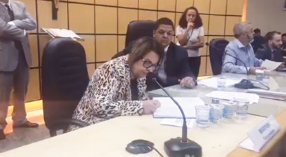 Câmara cassa mandato de Atila Jacomussi; Alaíde Damo assume prefeitura pela 3ª vez