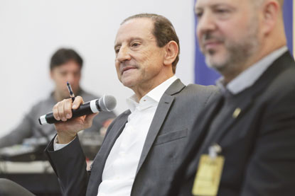 'Na essência, Bolsonaro está no caminho. O resto é fumaça', diz Skaf, durante evento em Diadema