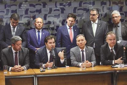 Parecer da reforma da Previdência exclui Estados, rural e benefícios assistenciais; relator prevê economia de R$ 1 tri